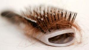 выпадение волос - обычное дело