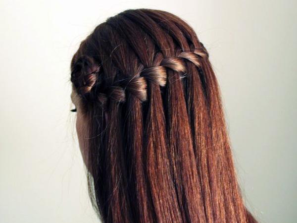 прическа водопад на длинных волосах